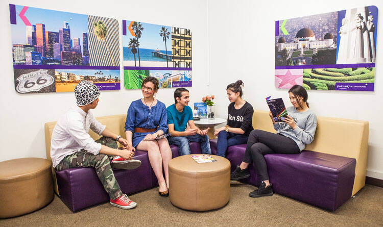 Kaplan International Languages - Whittier College Galeri Resmi